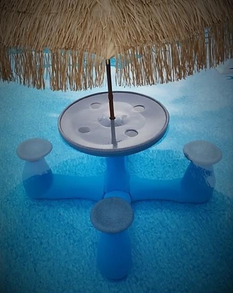 Aqua-Rita Table